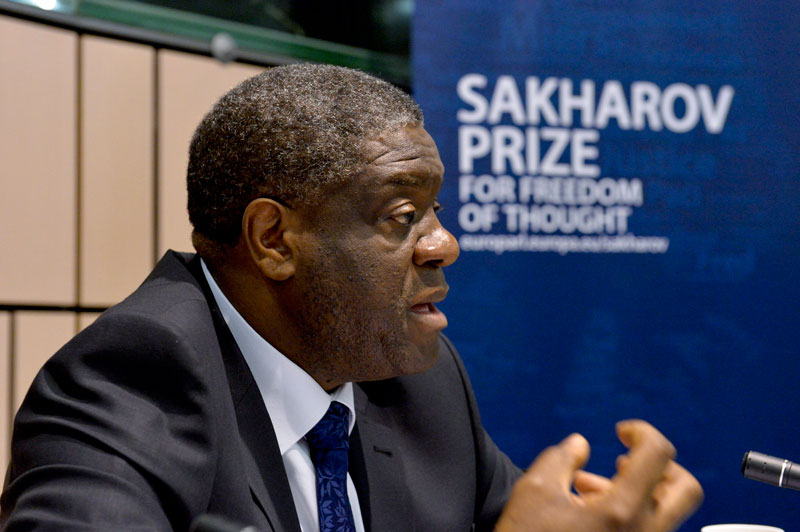 Dennis Mukwege in the European Parliament, being awarded the Sakharov Prize