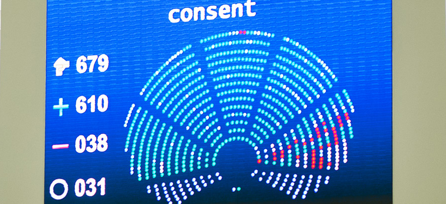 MEPs vote overwhelminglt to bring the Paris climate agreement into force